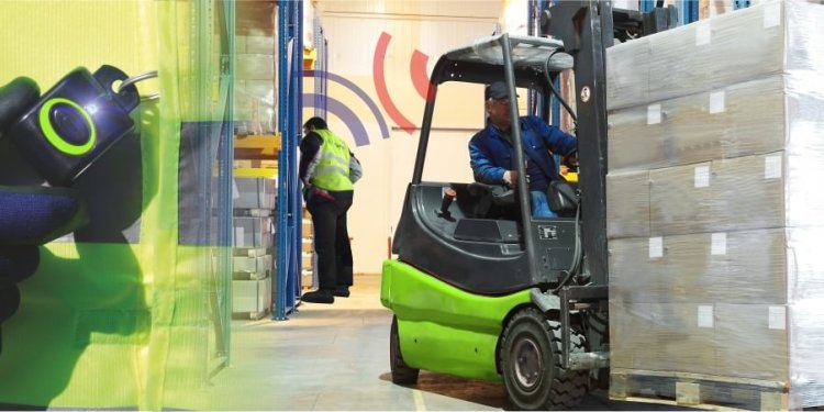 Forklift pedestrian alert PAS