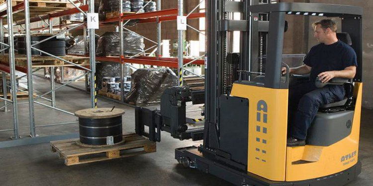 Reach forklift course and